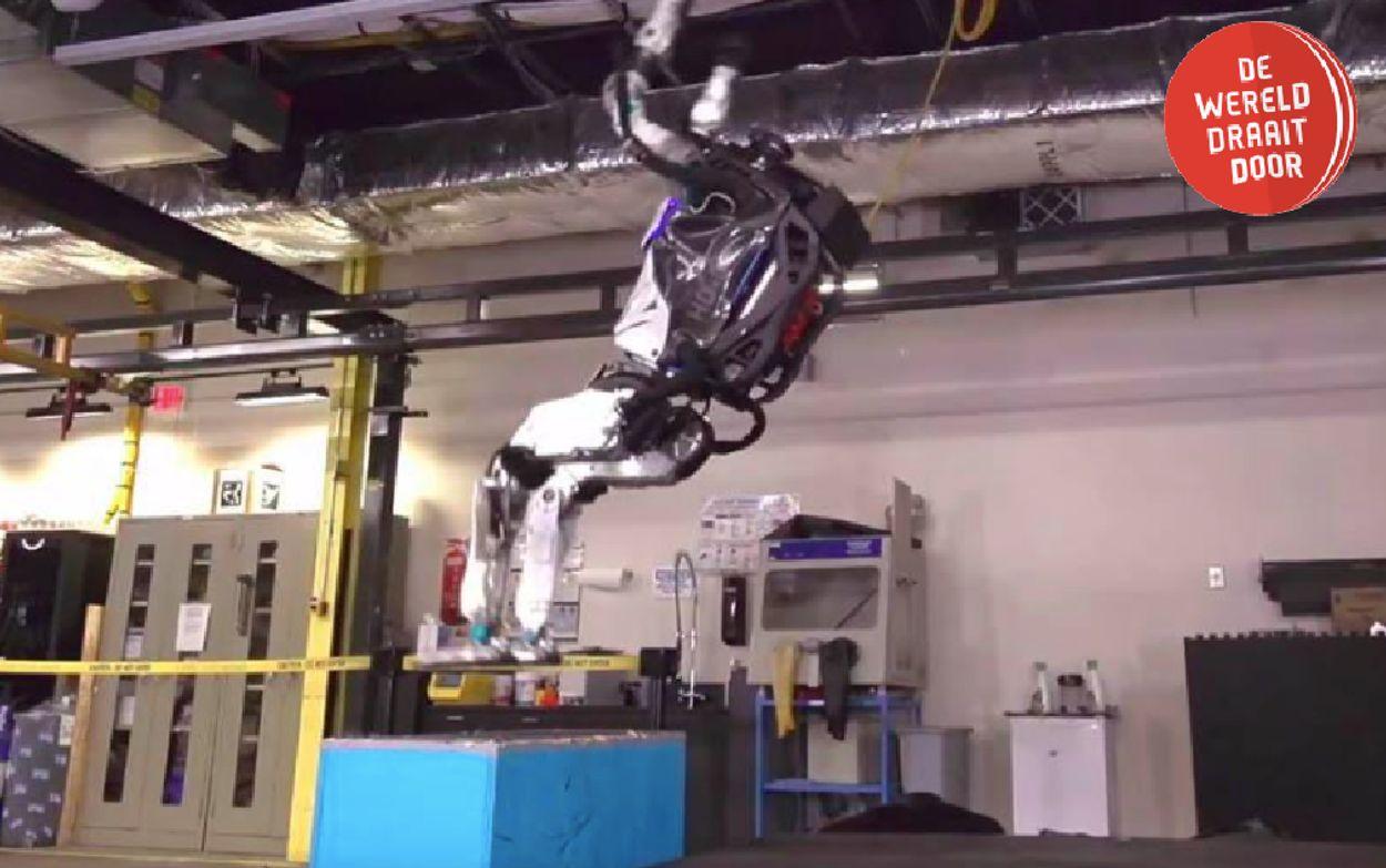 Afbeelding van Robot doet backflip. En juicht vervolgens | DWDD