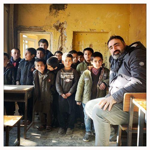 Afbeelding van Sinan Can helpt weeshuizen in Afghanistan. Doe jij ook mee?