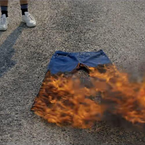 Afbeelding van Hoezo mogen jongens niet met een korte broek naar het Calvijn College?