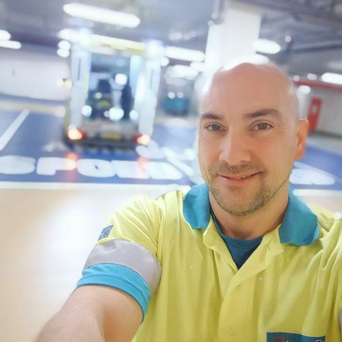 Afbeelding van Wie wil er nou ambulancebroeder worden?